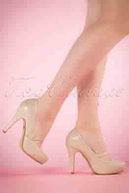 40s Dolly Pumps in Beige